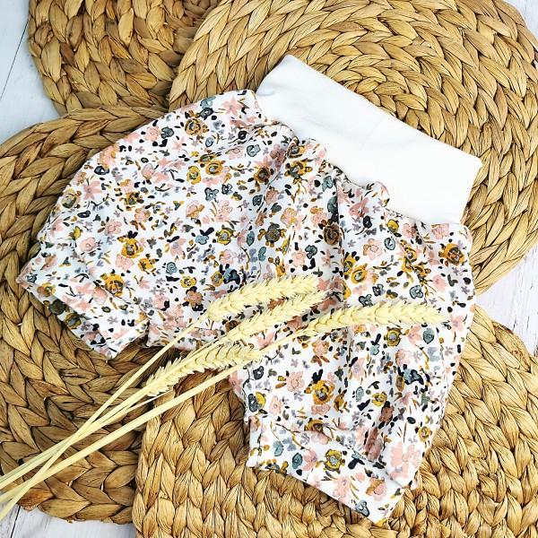 Pumphose kurz Pastellblumen Gr. 80/92